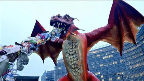 ブリュッセルにドラゴン像01