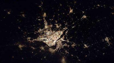 宇宙ステーションから見た世界の大都市の夜景04