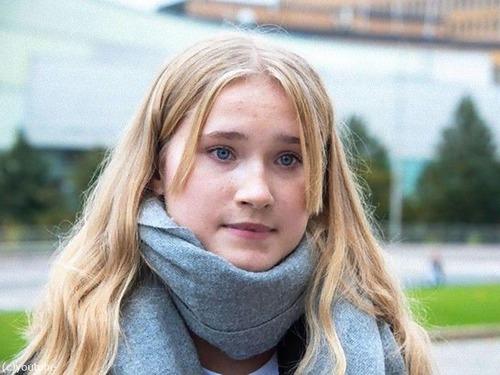 フィンランドの16歳少女が「一日首相」に00