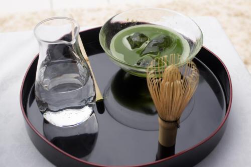 覚えておきたい、夏の嬉しすぎるおもてなし…京都福寿園の茶匠が教えてくれた、絶品『冷抹茶』の作り方