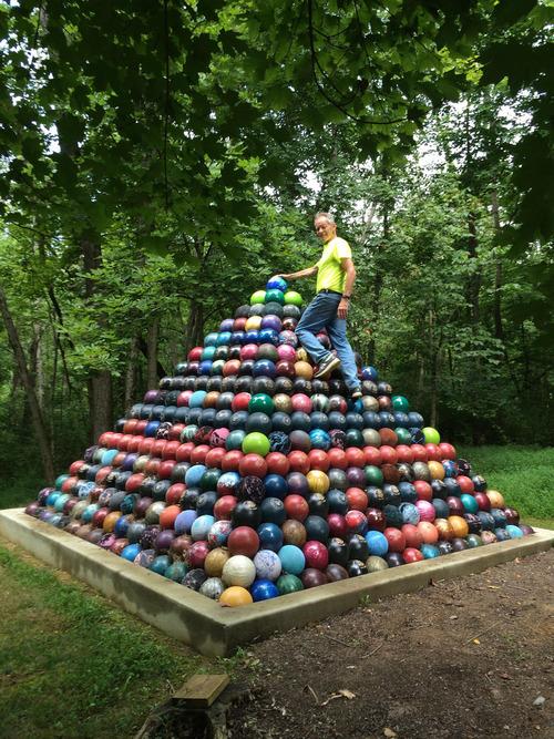 ボーリングのボールを1785個01