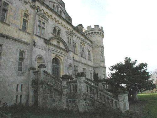 ヨーロッパのお城のような家 A02