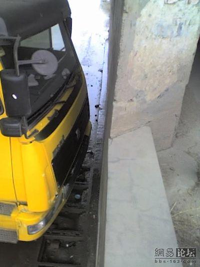 トラックの横転11