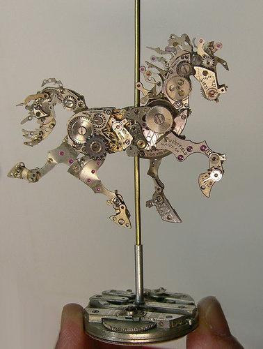 時計の部品から造った動物アート08