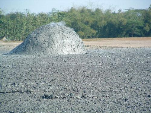 泥火山の泡05