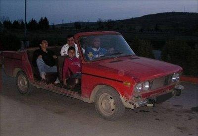 独創的過ぎる車13