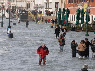 ベネチアで水上スキーTOP