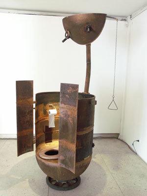 ソ連時代の「機雷」をインテリアに改造08
