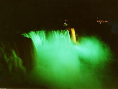 七色に輝く夜のナイアガラ05