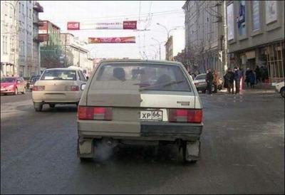 変な車04