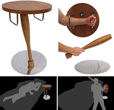 いざとなったらひのきの棒と木の盾になるテーブル