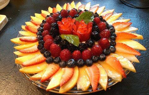 イチゴでバラ02