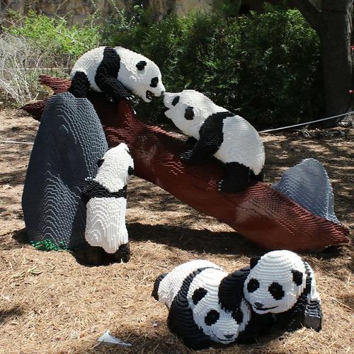 サンアントニオ動物園がレゴの動物を展示01