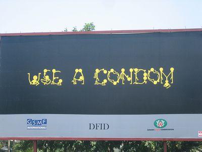 コンドーム使用の呼びかけ01