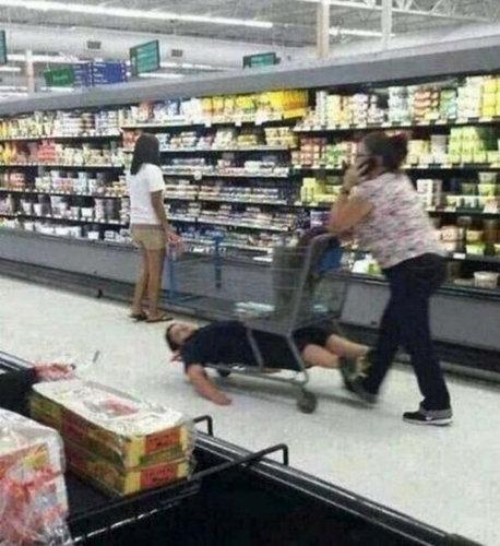 買い物が嫌いな子供たち04