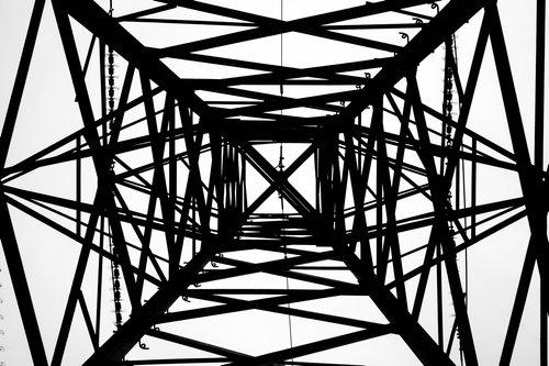 鉄塔を真下から04