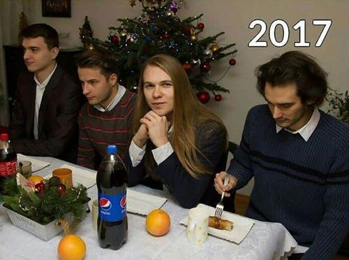 親友4人が9年間同じ写真07