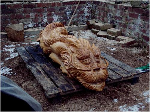 チェーンソー彫刻13