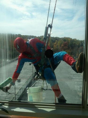スパイダーマン清掃員01