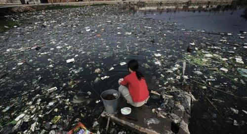 中国のもはや手に負えない公害13