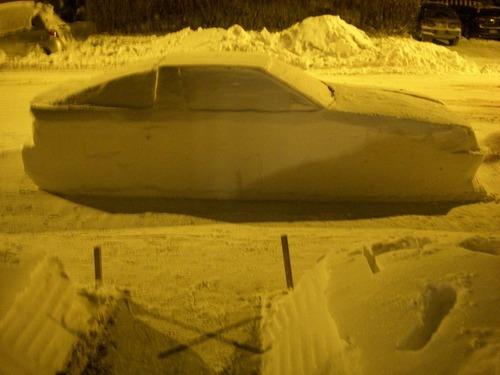 車の雪像に駐禁00