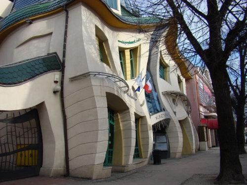 ポーランドの変わった建物04