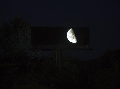 個人が広告看板03