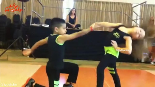 サルサを踊る子供02