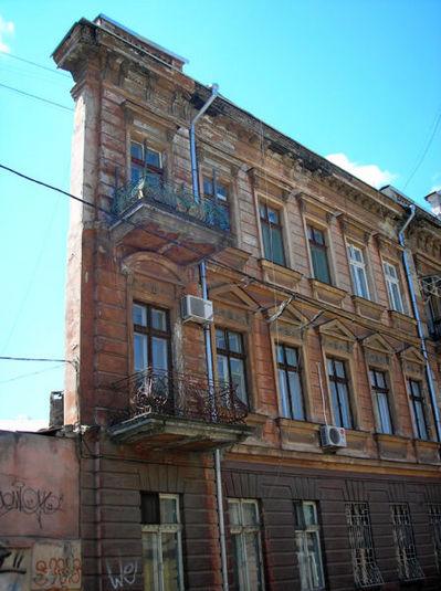 変わった建物23