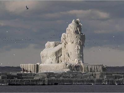凍った灯台00