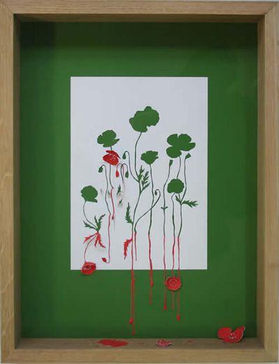 美しく繊細なペーパーアートの世界-赤く枯れる植物