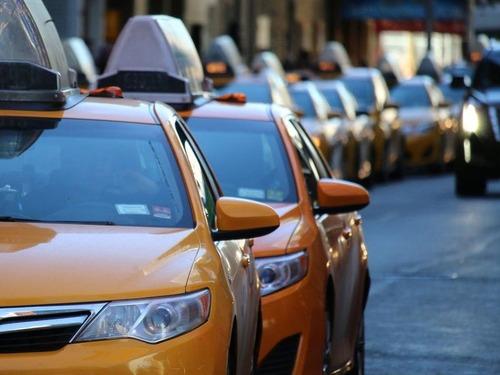 タクシードライバーの自衛