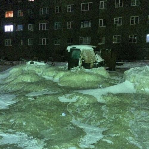 ロシアで水道管が破裂03