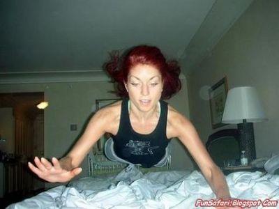 ベッドの上の少女たち05
