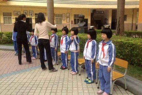 中国の児童を姿勢よくするアイデア07