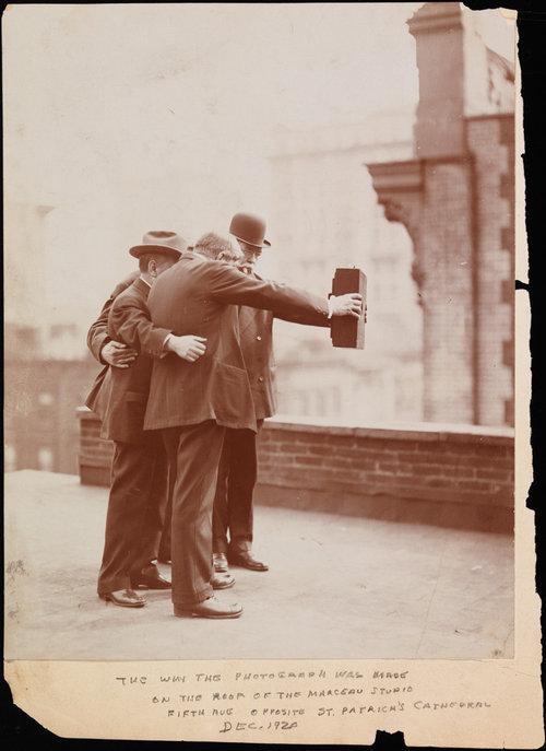 1920年ごろの自分撮り01