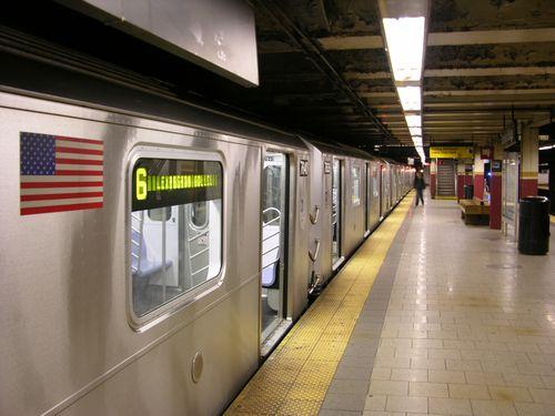 ニューヨークの地下鉄で見た風景00