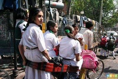 インドのスクールバス11