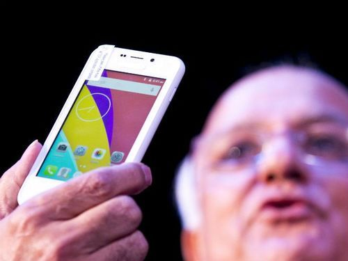 インドで420円のスマートフォンが発売01