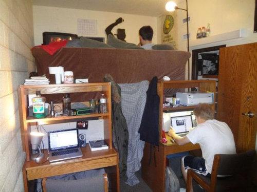 狭い部屋に快適リビングを作る01