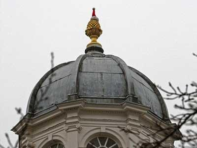 ケンブリッジ大学にサンタの帽子02