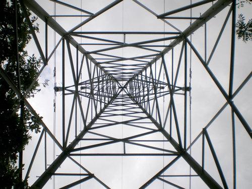鉄塔を真下から05