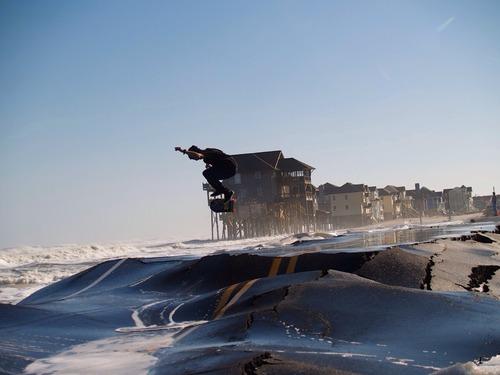 ハリケーン後のスケートボード01
