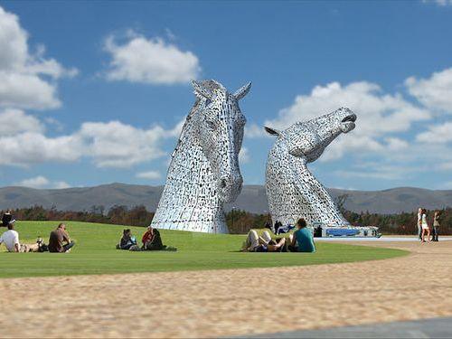 スコットランドにケルピーの巨像00