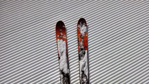 美しいスキーフィールドの景色03