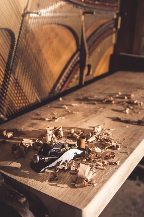 古いピアノをパソコンデスクに02