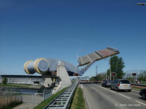オランダの橋がすごい01