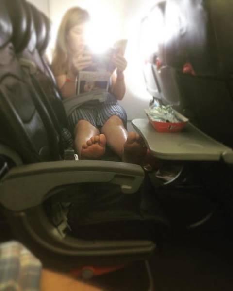 マナ—の悪い海外の乗客05