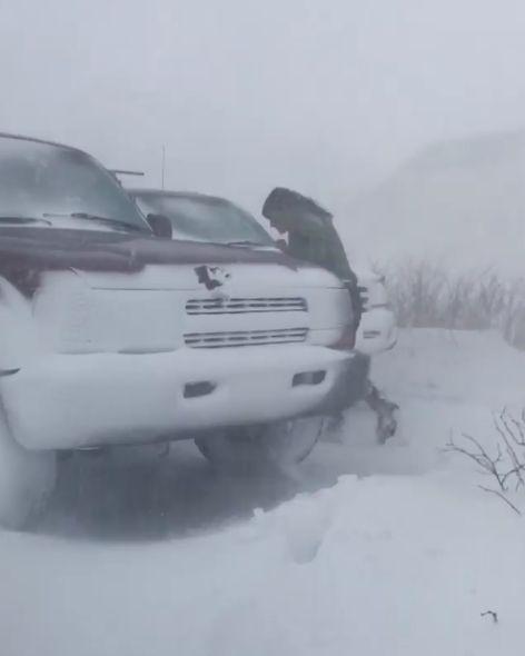 アラスカで車にスマホを忘れると07