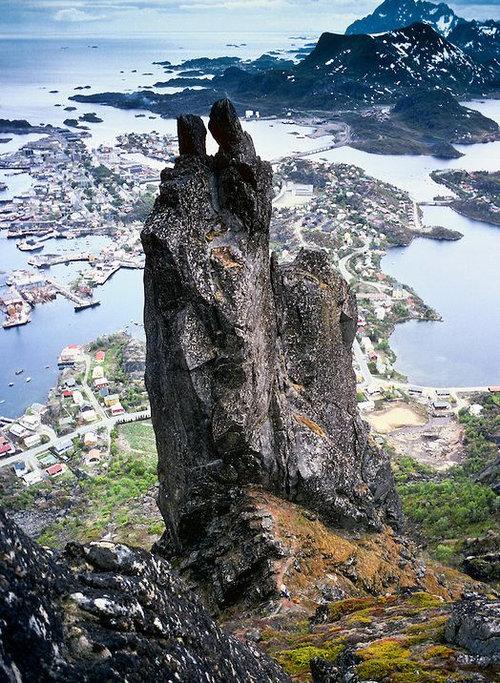 スボルベルのヤギ岩01